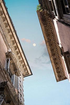 Häuser an der Piazza Navona - p1038m959025 von BlueHouseProject