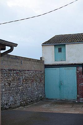 Garage - p596m899839 by Ariane Galateau