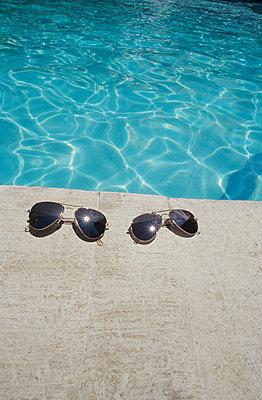 Poolside - p0451756 by Jasmin Sander
