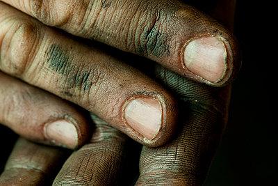 Schmutzige Finger - p1195m1195466 von Kathrin Brunnhofer