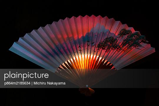 Japanischer Fächer - p864m2185634 von Michiru Nakayama