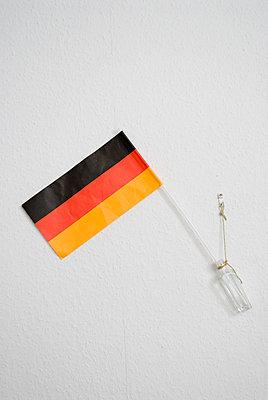 Deutschlandflagge an der Wand - p3050135 von Dirk Morla