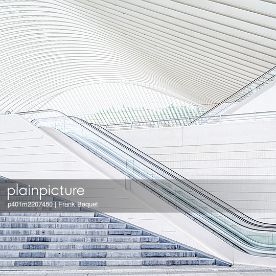 Liège-Guillemins station in Liège - p401m2207480 by Frank Baquet
