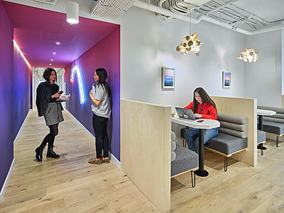 Modern office - p390m2185882 by Frank Herfort