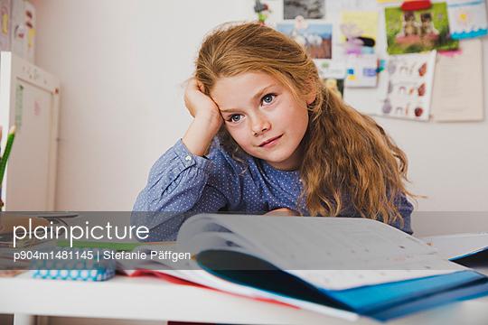 Hausaufgaben machen - p904m1481145 von Stefanie Päffgen