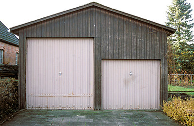 Two garages - p0190238 by Hartmut Gerbsch