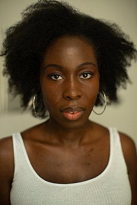 Portrait of African woman - p1321m2207438 by Gordon Spooner