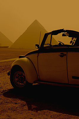 Volkswagen Beetle, Giza, Egypt - p1028m2002105 by Jean Marmeisse
