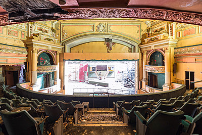 Abandoned bingo theatre - p1440m1497546 by terence abela