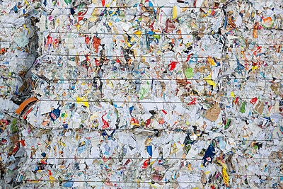 Germany, Bavaria,Stacks of waste paper - p300m2155518 by Hans Lippert