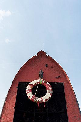 Boot und Rettungsring - p949m1200290 von Frauke Schumann