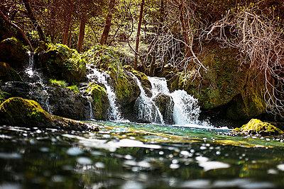 Wasserfall in Navacelles - p1007m1020666 von Tilby Vattard