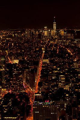 Nacht über Manhattan - p470m1190123 von Ingrid Michel