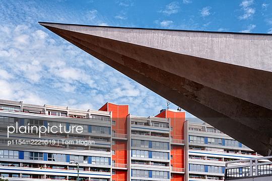 Deutschland, Berlin, Wohngebäude - p1154m2229519 von Tom Hogan