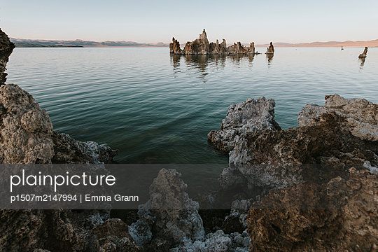 Mono Lake - p1507m2147994 by Emma Grann