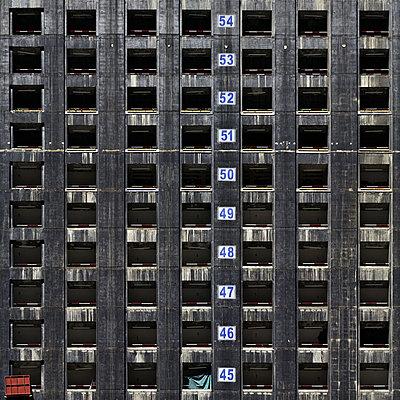 Hochhaus - p1111m886354 von Jean-Pierre Attal