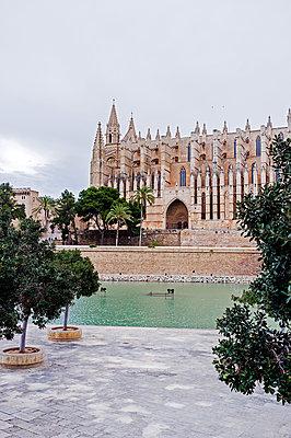 Kathedrale der Heiligen Maria auf Mallorca - p177m1332518 von Kirsten Nijhof