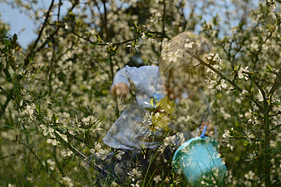 Child playing, multiple exposure - p1631m2208640 by Raphaël Lorand