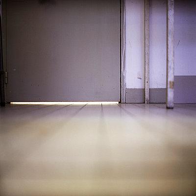 Closed door - p9110540 by Benjamin Roulet
