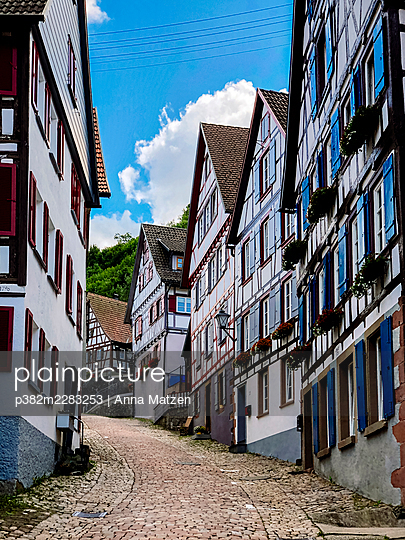 Half-timbered houses in Schiltach in the Black Forest - p382m2283253 by Anna Matzen