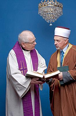 Imam und Pfarrer  - p5440131 von Georg Lenz