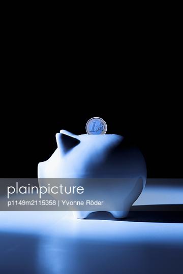 Piggy bank - p1149m2115358 by Yvonne Röder