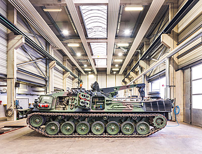 Army tank in Bundeswehr workshop - p390m2063889 by Frank Herfort