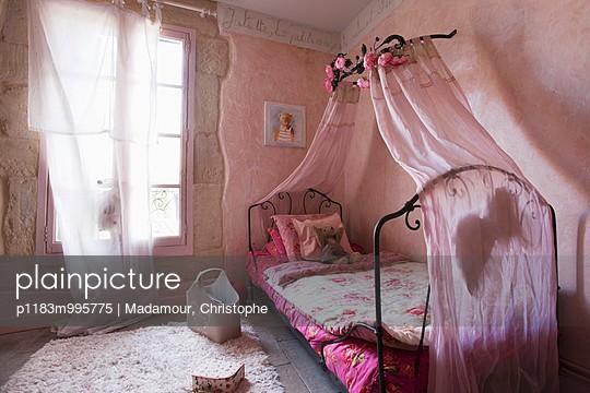 p1183m995775 von Madamour, Christophe