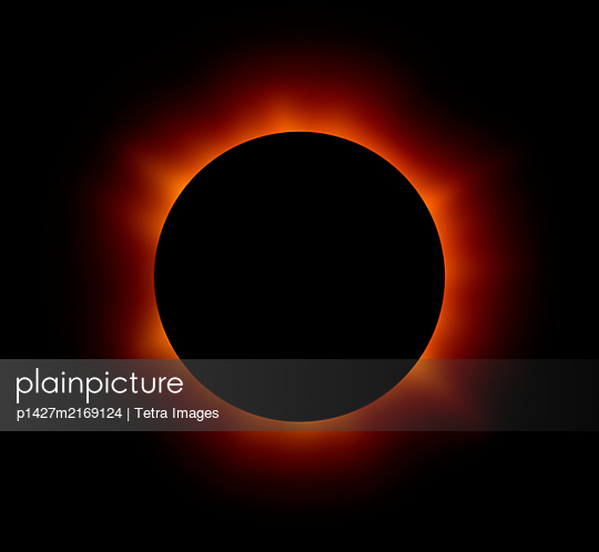 Solar eclipse - p1427m2169124 by Tetra Images