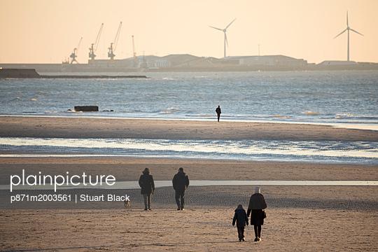 p871m2003561 von Stuart Black