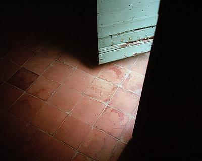 Open door - p945m924077 by aurelia frey