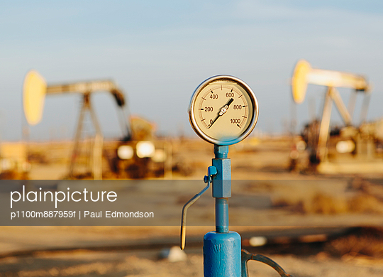 Air pressure gauge - p1100m887959f by Paul Edmondson