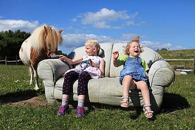 Spaß auf dem Ponyhof - p045m1041988 von Jasmin Sander