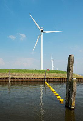 Wind power - p1132m925553 by Mischa Keijser
