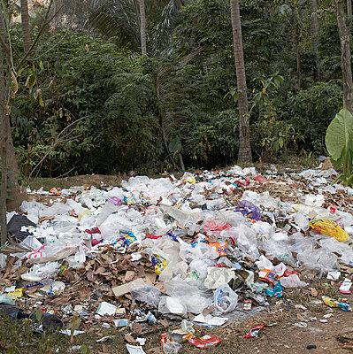 Müllhaufen in Krabi - p6060054 von Iris Friedrich