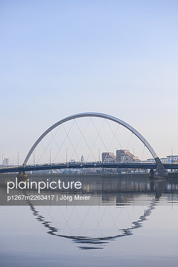 Clyde Arc Bridge, blue sky, Glasgow - p1267m2263417 by Jörg Meier