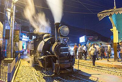Darjeeling Himalayan Railway - p1208m2115506 by Wisckow