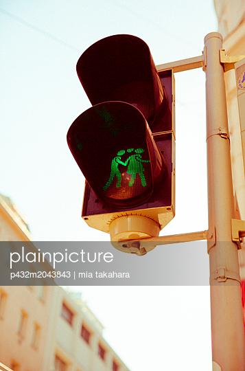 Ampelmännchen in Wien - p432m2043843 von mia takahara