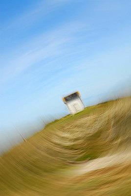 Abgelegene Hütte - p567m667636 von AURELIAJAEGER