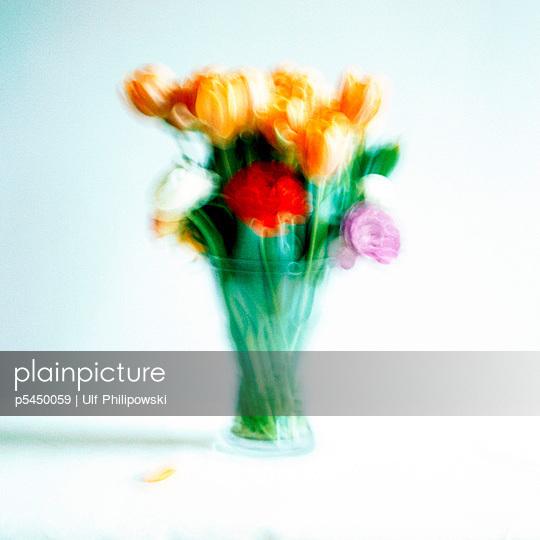 Frischer Tulpenstrauß - p5450059 von Ulf Philipowski