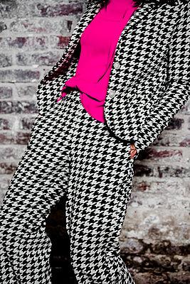 Suit, Shepherd's check pattern - p1621m2228886 by Anke Doerschlen