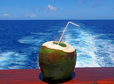 Exotic Refreshment - p338m971703 by Marion Beckhäuser