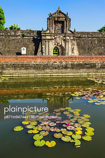 Entrance to the old Fort Santiago, Intramuros, Manila, Luzon, Philippines, Southeast Asia, Asia - p871m947443 by Michael Runkel