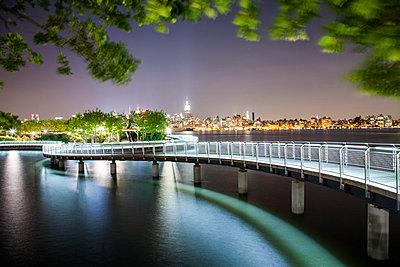 New York at night - p913m1113027 by LPF