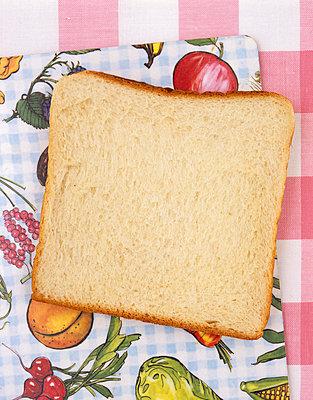 White bread - p2370265 by Thordis Rüggeberg
