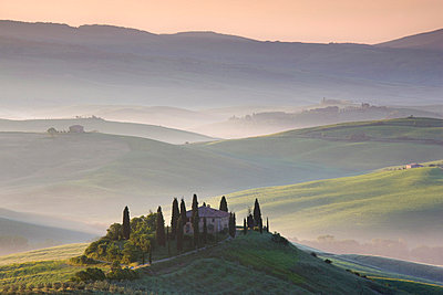 Misty dawn view towards Belvedere, across Val d'Orcia, UNESCO World Heritage Site, San Quirico d'Orcia, near Pienza, Tuscany, Italy, Europe - p8710525 by Lee Frost