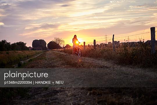 p1348m2200394 by HANDKE + NEU