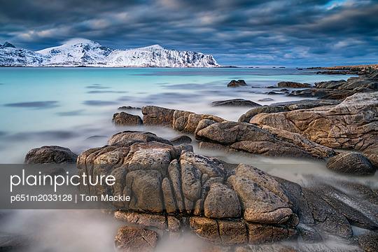 p651m2033128 von Tom Mackie