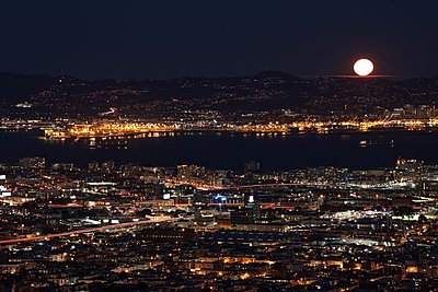 Moon over San Francisco - p1399m1528863 by Daniel Hischer