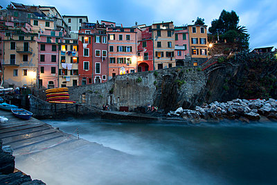 Riomaggiore Harbour at dusk - p871m874656f by Mark Sunderland
